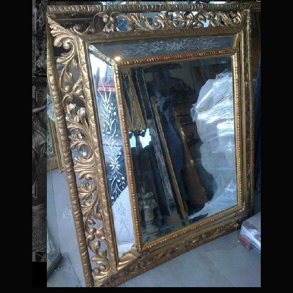 miroir ancien auctions art market. Black Bedroom Furniture Sets. Home Design Ideas